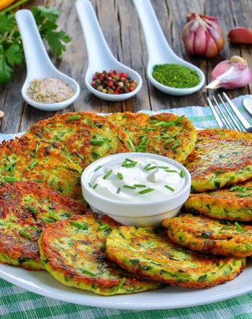 Ricetta frittelle di zucchine con erbe aromatiche