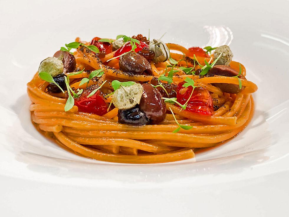 ricetta spaghetti alla puttanesca chef stellato